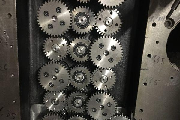 schneidwerkverstellung-verkleinertA3FE12A7-8124-6B6E-5E6B-D4FF5D33C630.jpg